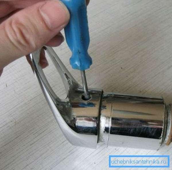 Как снять ручку со смесителя самостоятельно