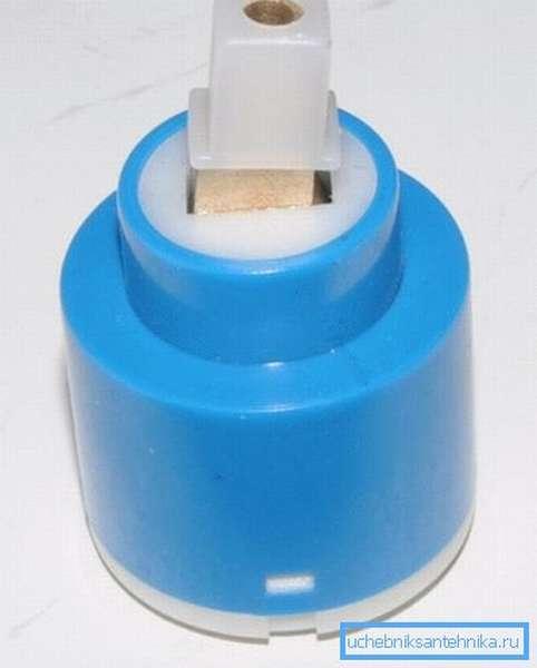 Картридж или кран буксы для импортных смесителей с пластиковым наконечником