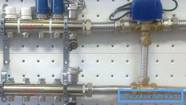 Клапан в смесительном узле оборудован сервоприводом.
