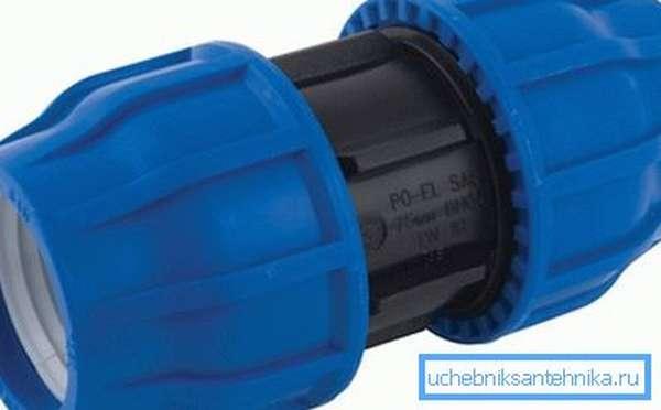 Компрессионная муфта для сборки водопровода