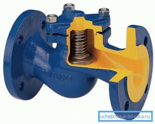 Конструкция подъемного клапана имеет ряд отличий, которые являются как преимуществами, так и недостатками