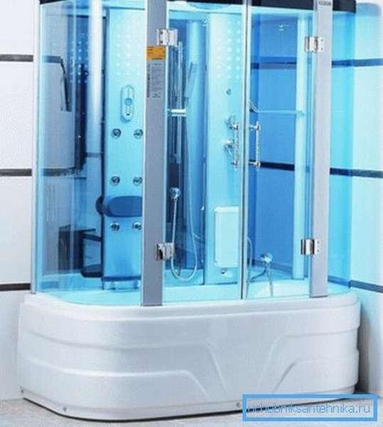 Крупногабаритная кабина содержит наиболее полный спектр различных функций