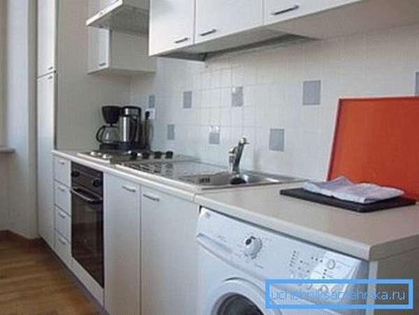 Кухня – неплохое место для установки стиральной машины