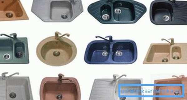 Кварцевые мойки, стальные и медные раковины, мойки из мрамора, из нержавейки, пластика, керамики – это неполный список возможных вариантов.