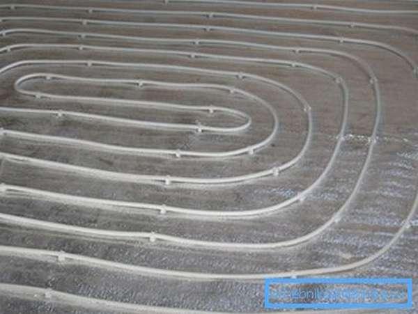 Линия обогрева, уложенная по спирали