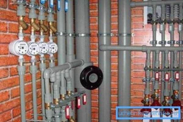 Любительское фото полноценной системы отопления с использованием данного вида труб