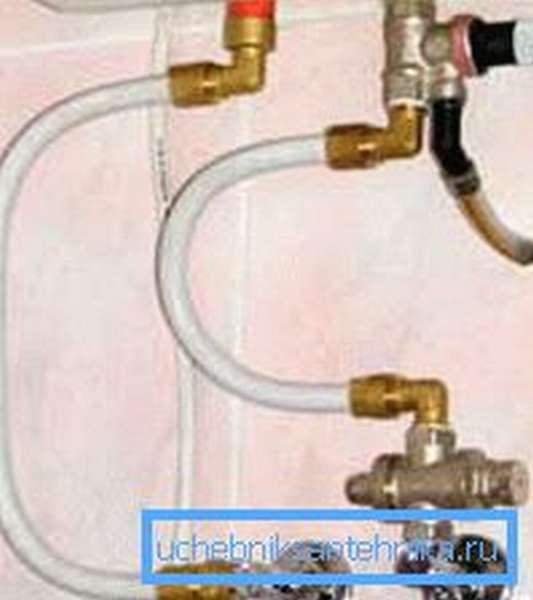 Любительское фото простейшего подключения подобных устройств в систему водоснабжения