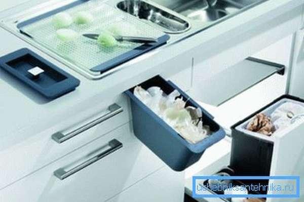 Максимальное удобство и продуманное использование пространства – отличительная черта хорошей кухонной мебели.