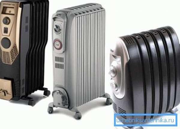 Масляный электрический радиатор при всех своих плюсах имеет большой минус – высокую температуру поверхности, поэтому лучше выбирать варианты с защитным кожухом сверху