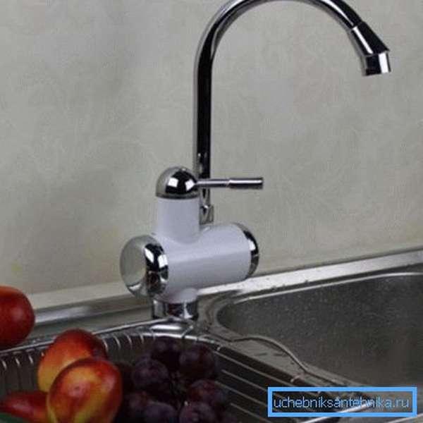 Механический водопроводный смеситель с подогревом