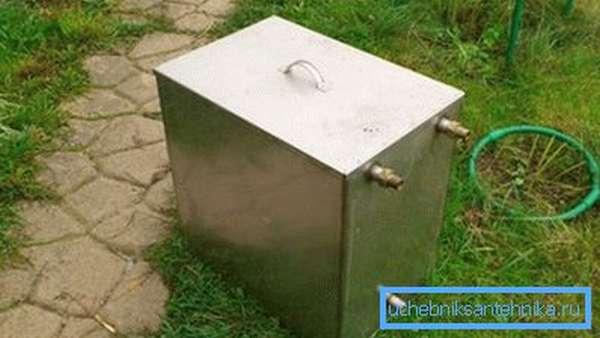 Металлическая емкость из нержавейки на 240 литров