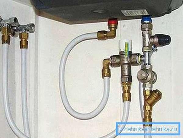 Металлопластиковый водопровод к бойлеру