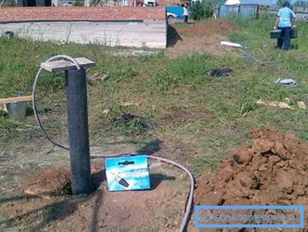 Многие населенные пункты получают чистую воду из скважин.
