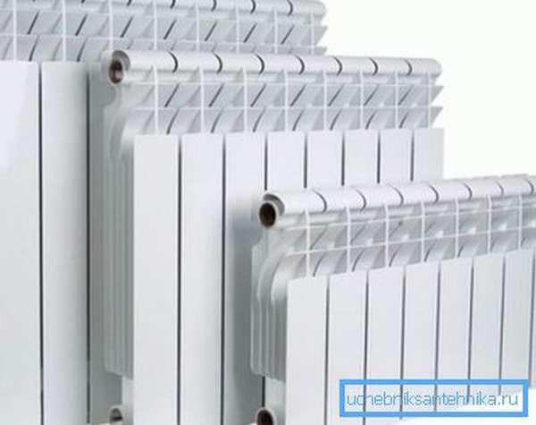 Многосекционные бытовые радиаторы отопления.