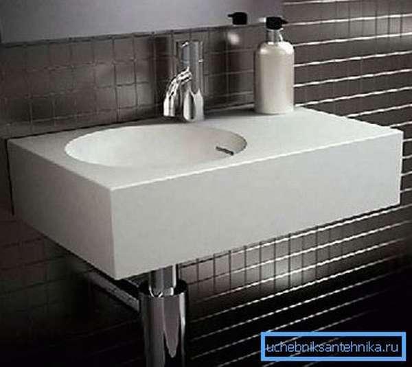 Модели небольших размеров подойдут для установки в маленьких ванных и туалетах.