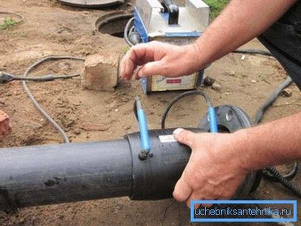 Монтаж полиэтиленовых труб при помощи электрофитингов