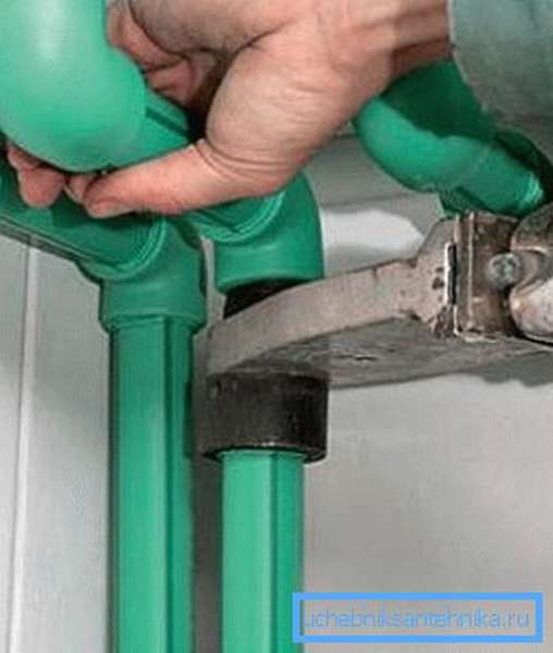 Монтаж полипропилена на водоснабжении.