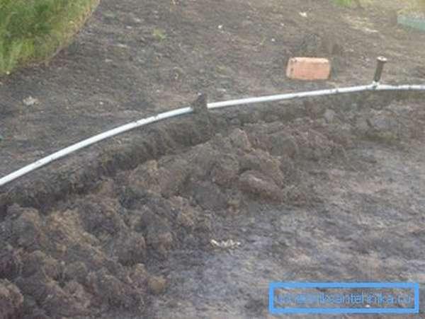 Монтаж стационарного поливочного водопровода.