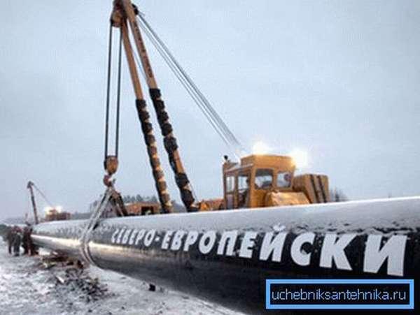 Монтаж трубы газопровода класса прочности К60