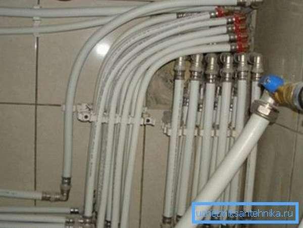 Монтаж загородного отопления с помощью трубопроводов из металлопластика