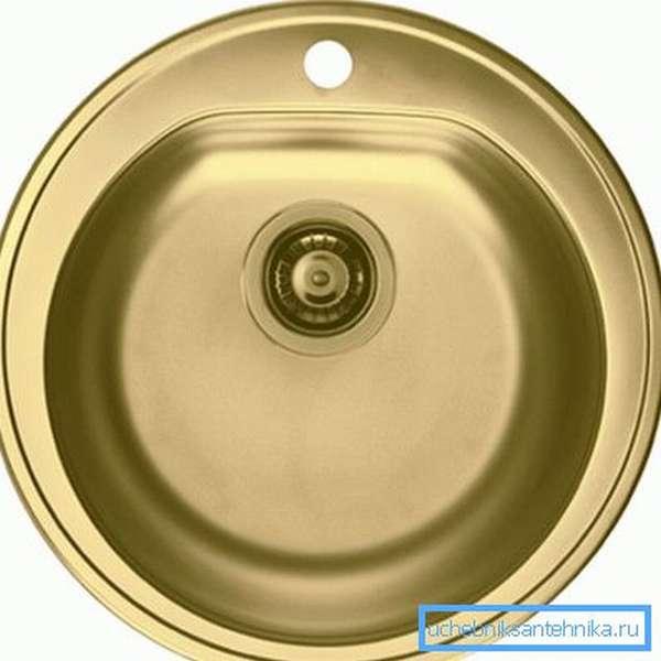 Мойки для кухни на 30 см отлично подходят для дачных домиков, где важно сэкономить каждый сантиметр пространства