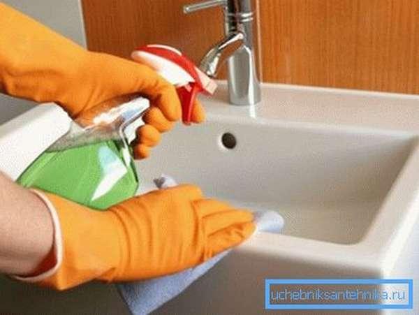 Мытьё фарфоровой мойки
