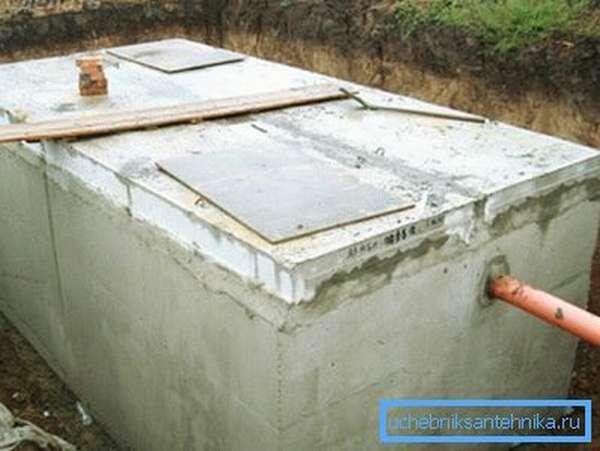 На фото – бетонный отстойник