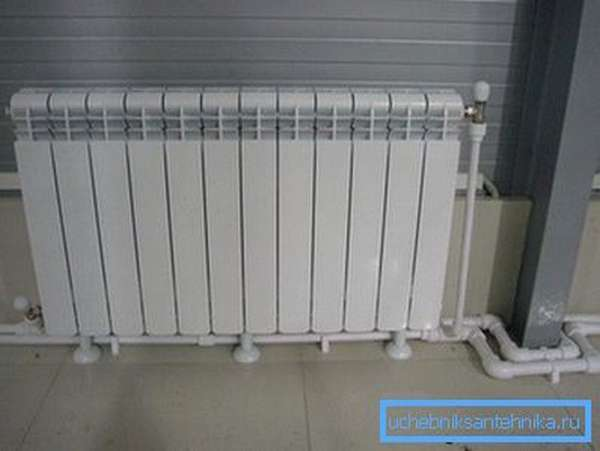 На фото: данный тип изделий будет служить вам долго только при определенных условиях, любые нарушения могут стать причиной выхода радиатора из строя
