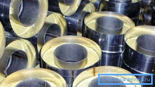 На фото: элементы с внутренним диаметром 115-120 мм используются в частной застройке чаще всего