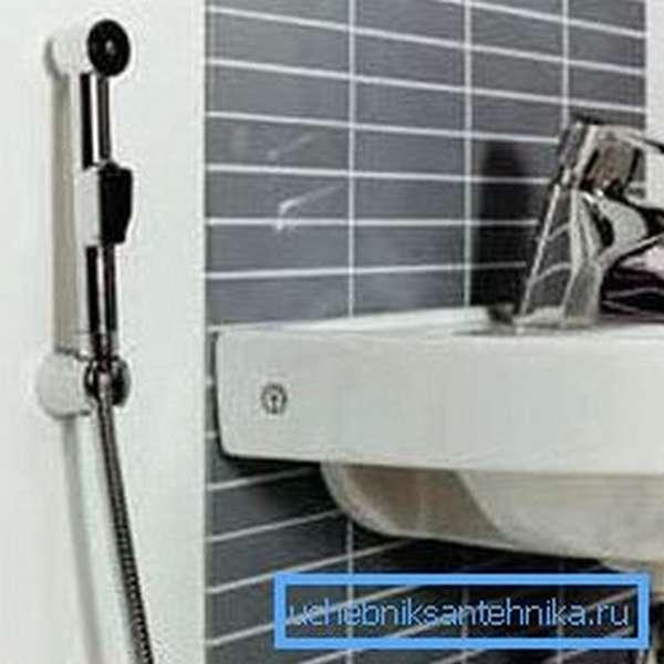 На фото: конструкция проста и функциональна и может быть установлена абсолютно в любом помещении