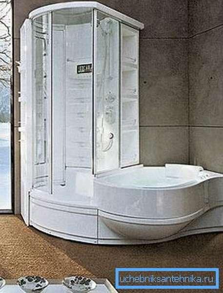 На фото – многофункциональная душевая кабина с ванной Alvea