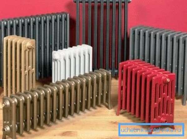 На фото – некоторые из существующих моделей чугунных радиаторов