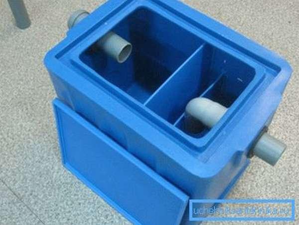 На фото: пластиковые конструкции встречаются чаще всего