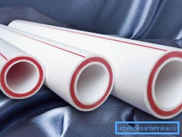 На фото - поперечное сечение полипропиленовых труб