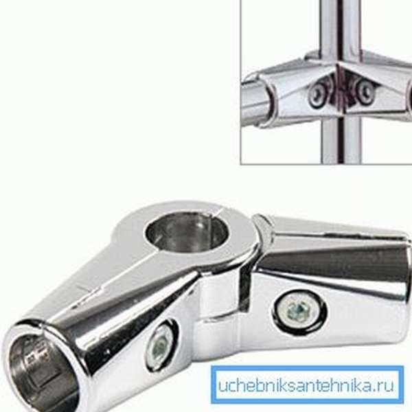 На фото - поворотный соединитель для трех круглых труб.