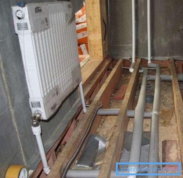 На фото – пример нижнего подключения радиатора