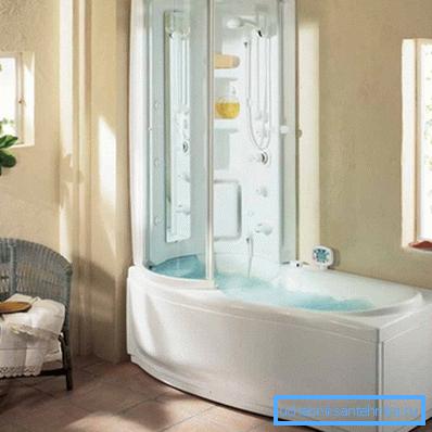 На фото пример объединения полноценной ванны и душевой кабины