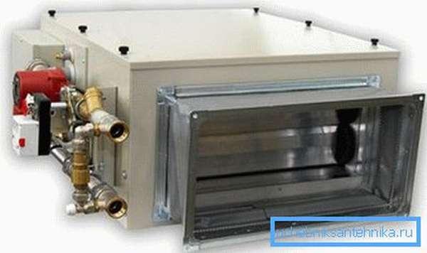 На фото - приточная установка с встроенным водяным калорифером.