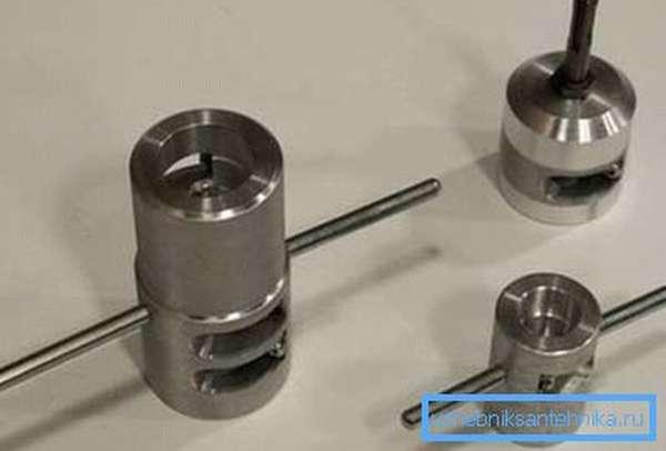 На фото - шейверы для обработки поперечного среза труб