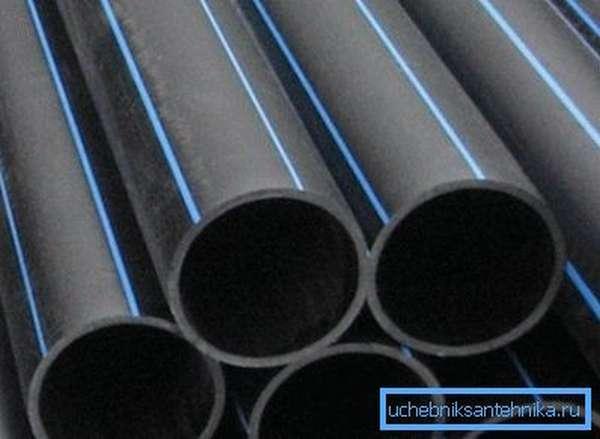 На фото – трубы из полиэтилена низкого давления