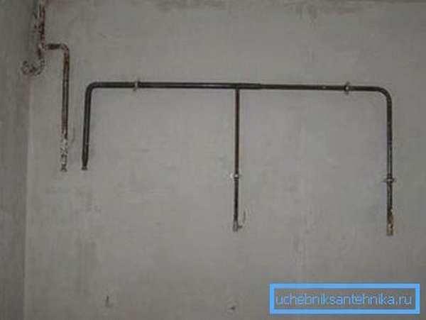 На фото: важно точно знать, как будет располагаться техника на кухне, чтобы сварить нужную конфигурацию газопровода