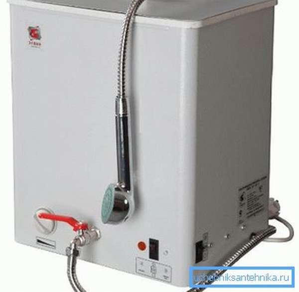 Наливные водонагреватели позволяют пользоваться душем в любое удобное время