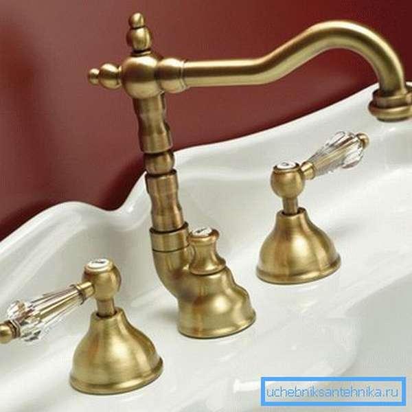 Не знаете, какие смесители для ванной самые надежные, приглядитесь к моделям из латуни http://sreda-obitaniya.ru/picture/goods/g5771p10871l.jpg