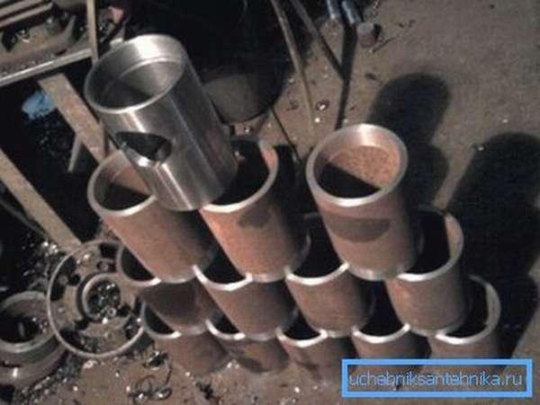Некоторые виды производства различных деталей напрямую связаны с изготовлением подобных труб