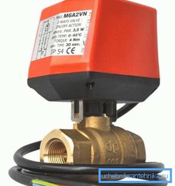 Некоторые запорные механизмы подобного рода оснащаются электрическими системами контроля, которые позволяют дистанционно управлять подачей жидкости или создать автоматическую схему