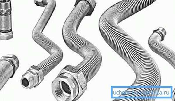 Нержавеющая сталь – достаточно распространенный материал для изготовления таких элементов