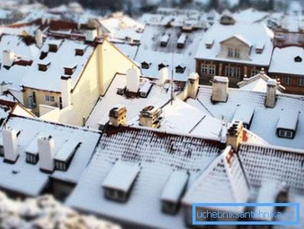 Нет ничего более желанного, чем теплый дом в зимнюю стужу.