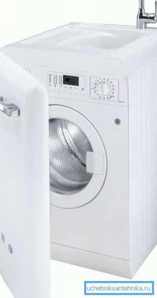 Новое слово в бытовой технике – это стиральная машина со встроенной раковиной.