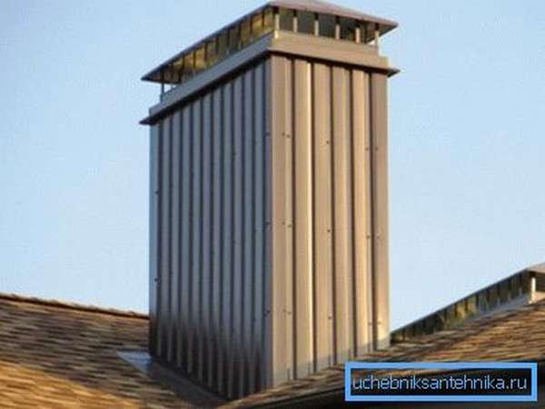 Образец вытяжного короба, возвышающегося над крышей
