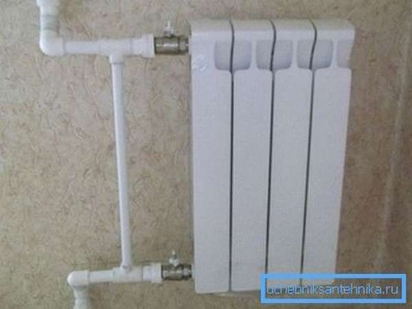 Обвязка радиатора при однотрубной системе.
